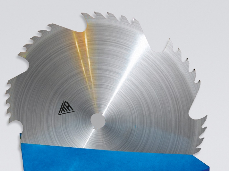 Производим дисковые пилы с твердосплавными зубьями диаметром от 120 до 1250 мм