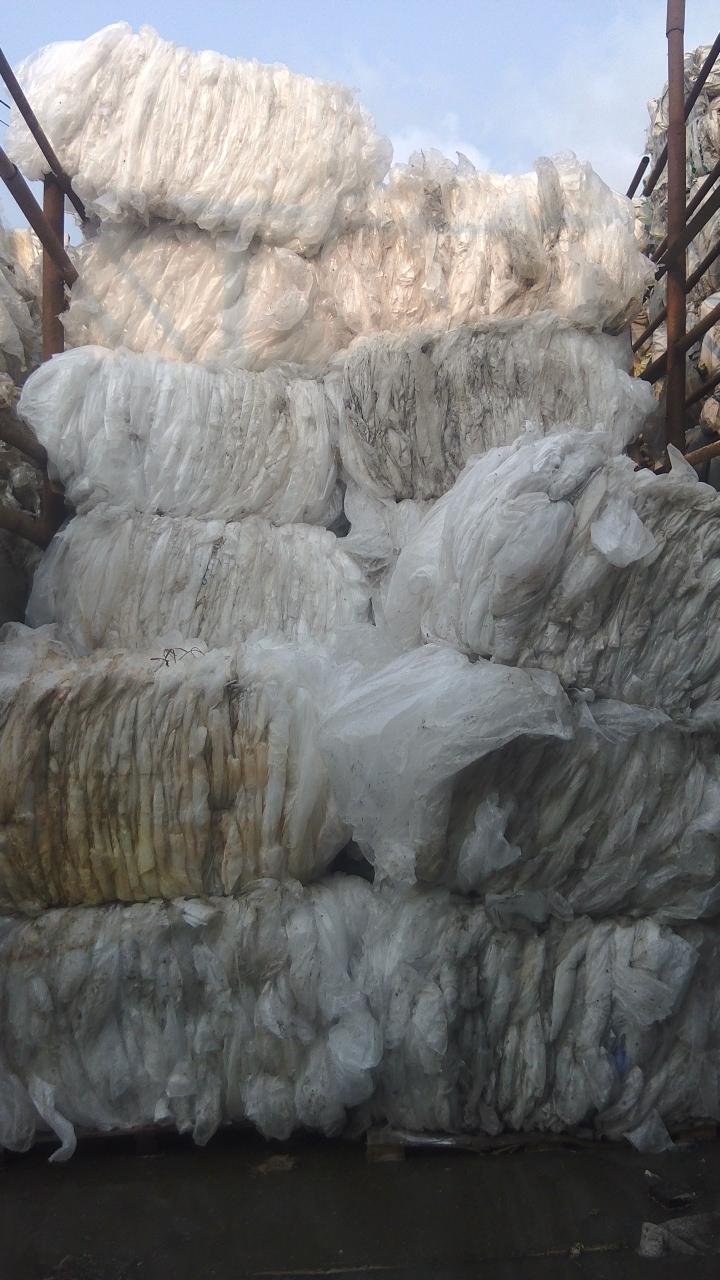 Поставки в страны СНГ. Плнка ПВД прозрачная, 500 тонн. Под мойку.